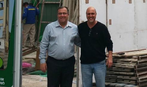 הלל לזרוב עם אלי דוקורסקי ראש עיריית קריית ביאליק