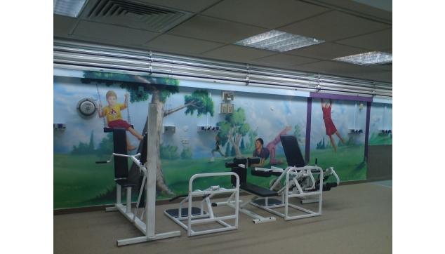 ציורי קיר בחדר פעילות בבית חולים