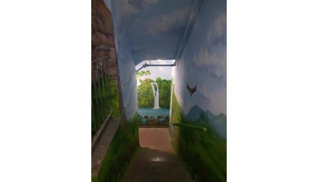 ציורי קיר מסדרונות וכיתות מעוצבות