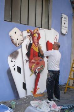 האמן במהלך עבודתו (14)