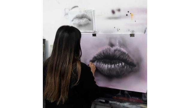 הקורסים לאמנות האיירבראש ולהכשרת ציירי קירות