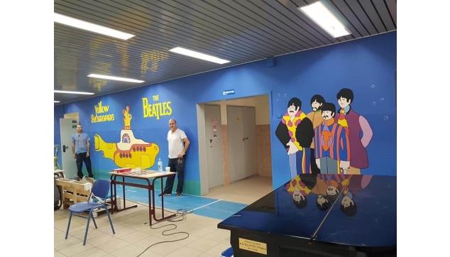 ציורי קיר כיתות מעוצבות ומסדרונות