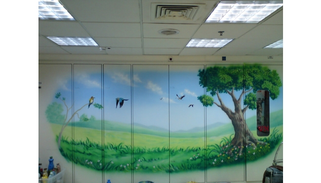 ציור קיר בחדר המתנה מרפאה