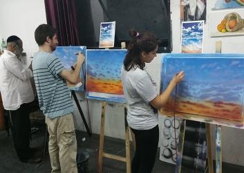 ציור שמיים ואדמה עם מכחול אוויר