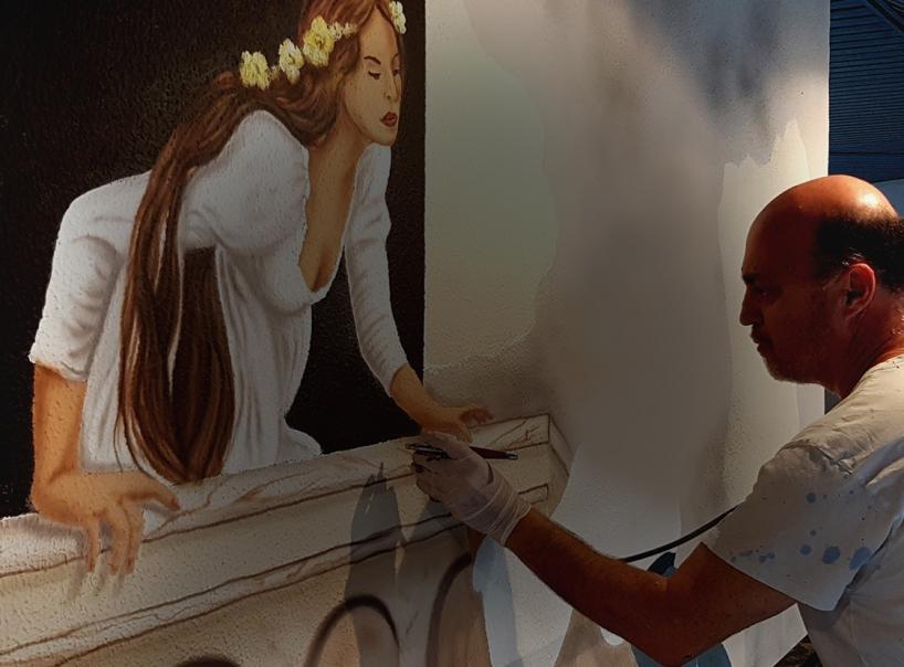 הלל לזרוב אמן ציורי קיר מצייר אישה