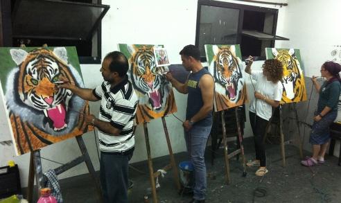 מציירים נמרים